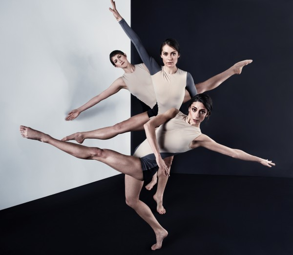 Stephen Petronio Company Pictured F-B: Jaqlin Medlock, Melissa Toogood, Emily Stone Photo by Sarah Silver